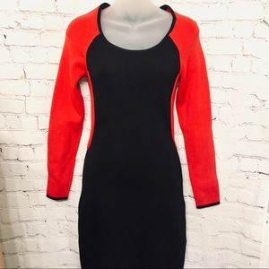 GUESS LONG SLEEVE CREWNECK COLOR BLOCKED DRESS